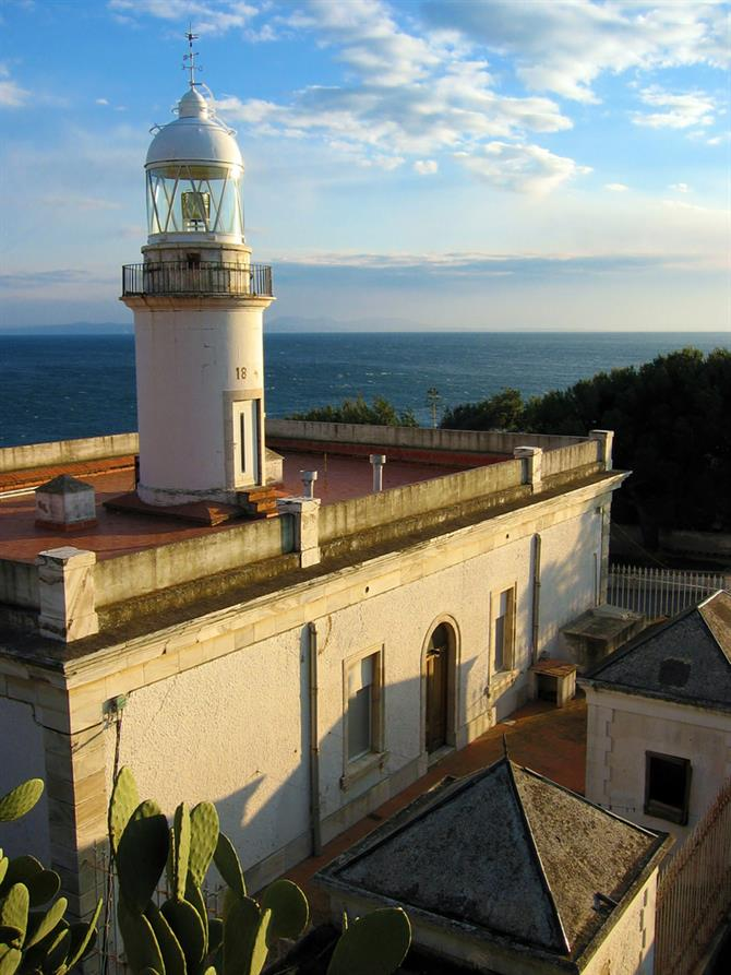 Roses lighthouse