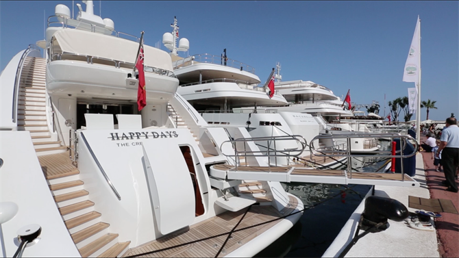 Luxury Yachts in Puerto Banus, Marbella