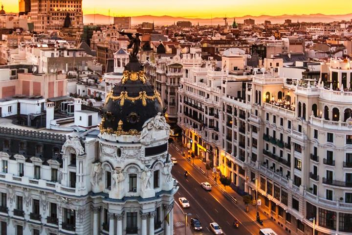 Madrid tourist accommodation subject of debate