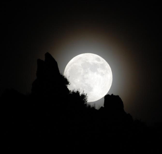 Vollmond in der Sierra Nevada