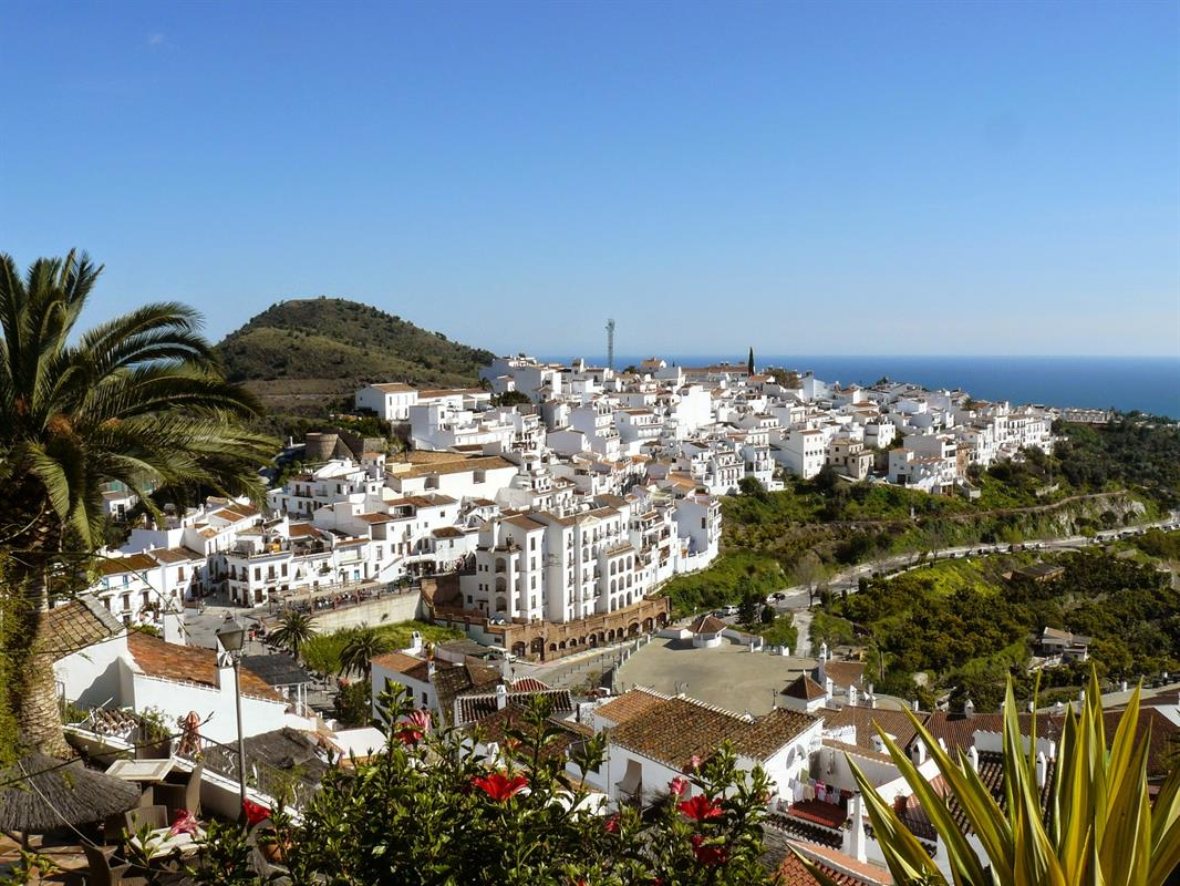 Visiting the village of frigiliana costa del sol for Costa sol almeria