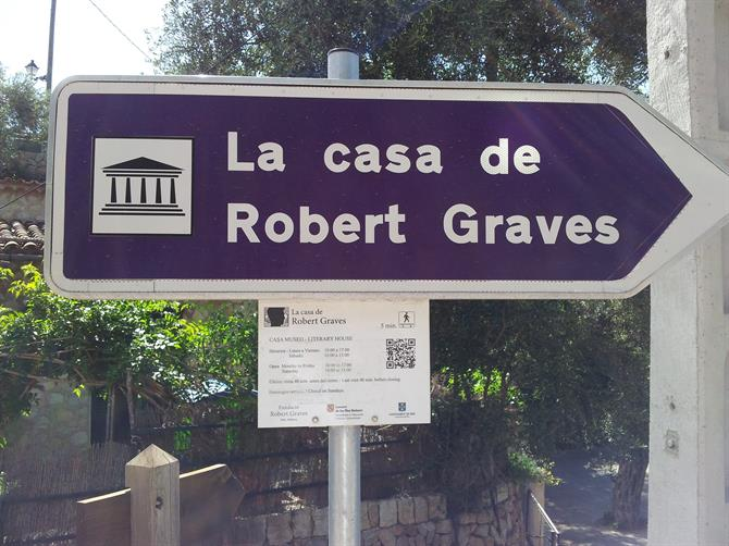 Signpost to Robert Graves' house in Deia