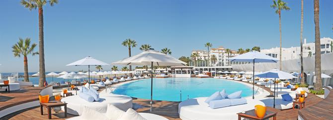 Puerto Banus Beach Club Prices