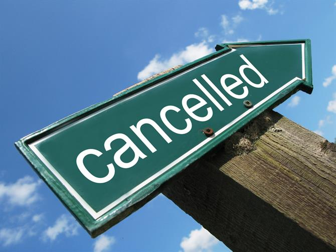Holiday rental guest cancellations