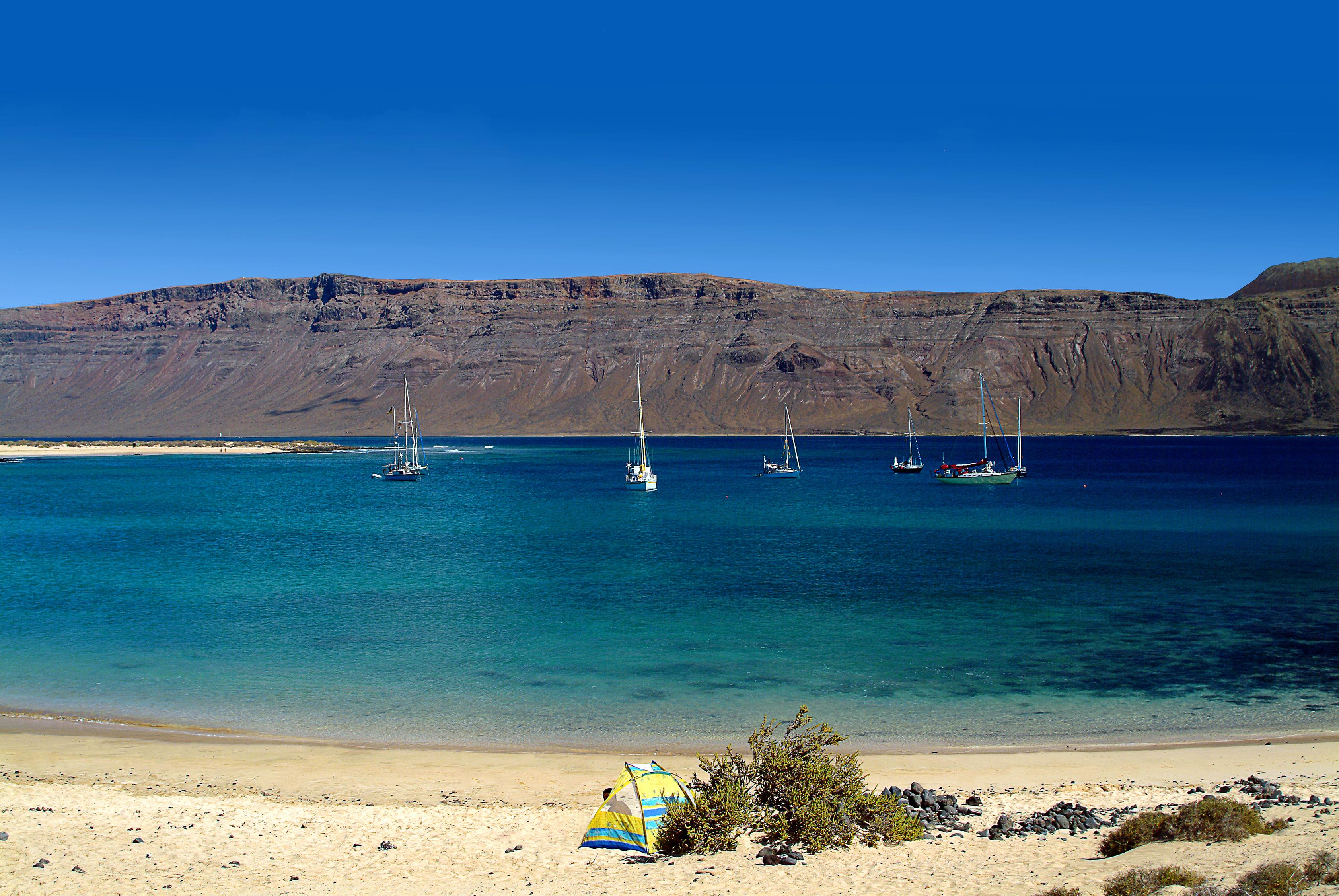 the best beaches in lanzarote. Black Bedroom Furniture Sets. Home Design Ideas