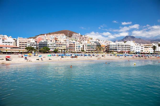 Canary Islands regulate holiday rentals