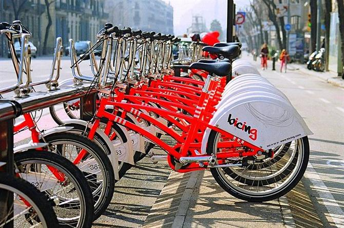 Citybikes at strategic sites, Barcelona
