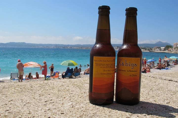 Say Cheers With A Beer From Alicante