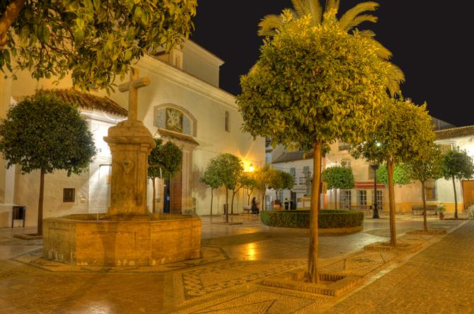 Marbella - Plaza de la Iglesia by night