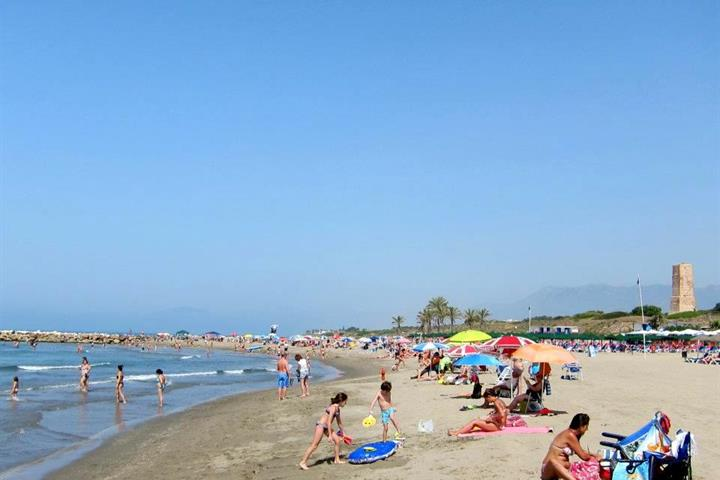 Best beaches in Marbella - Cabopino beach