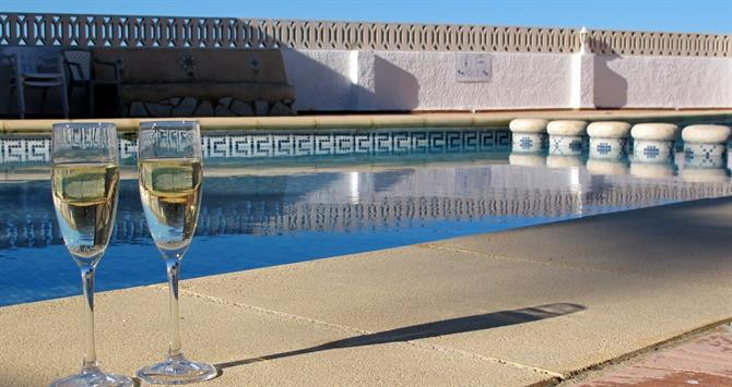 Cava by the pool in Alicante