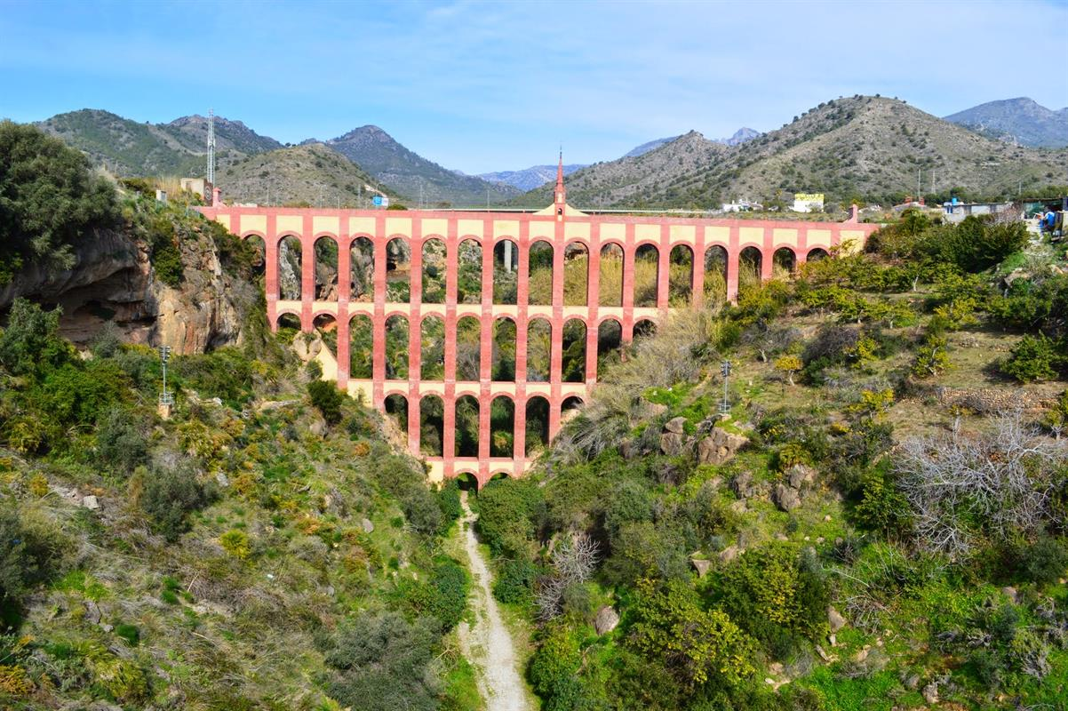 discover The Aqueduct nerja