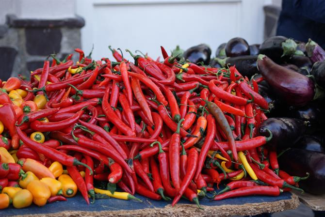 market chili peppers