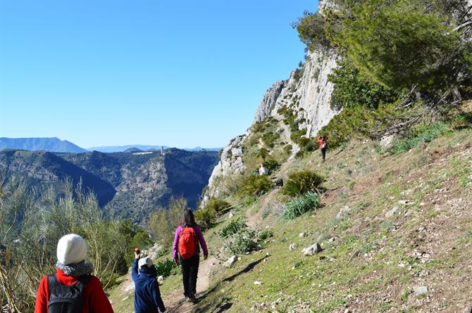 De 10 mooiste wandelroutes in andalusi - Trappen rots ...