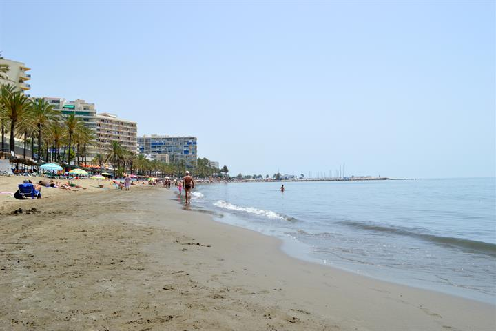 Best beaches in Marbella - Playa Fontanilla
