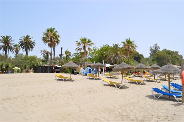 Best beaches in Marbella - Bounty beach