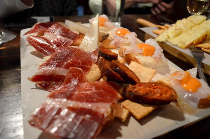 Tapas Tour, Seville, Spain