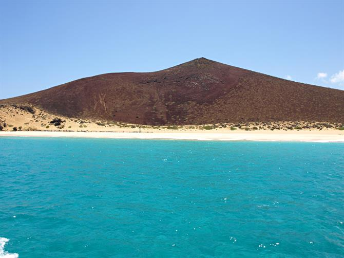 Turquoise sea around La Graciosa, Lanzarote, Canary Islands
