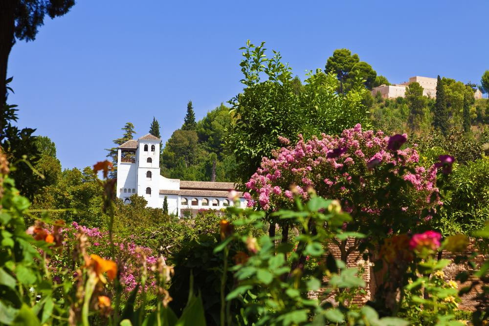 Chill out in green and pleasant andaluc a for Generalife gardens