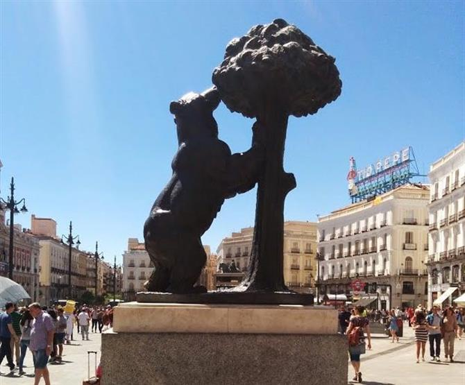 Madrid Bear Statue