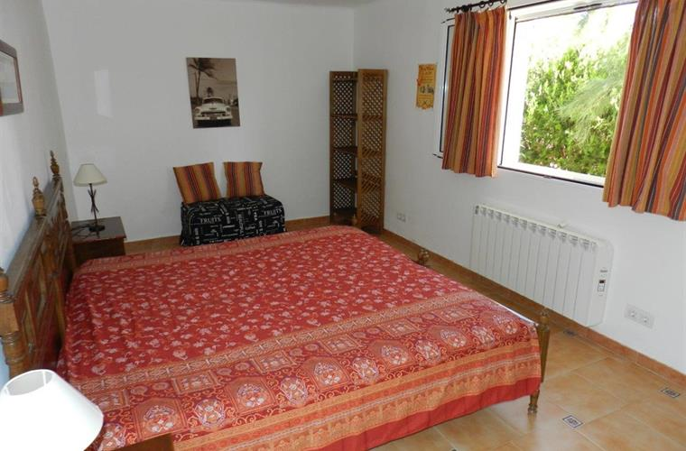 Bedroom no. 3 with 2 beds and extra bed