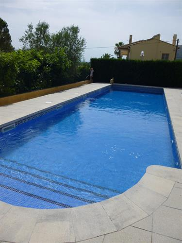 Private swimming pool 12 metres  for you!