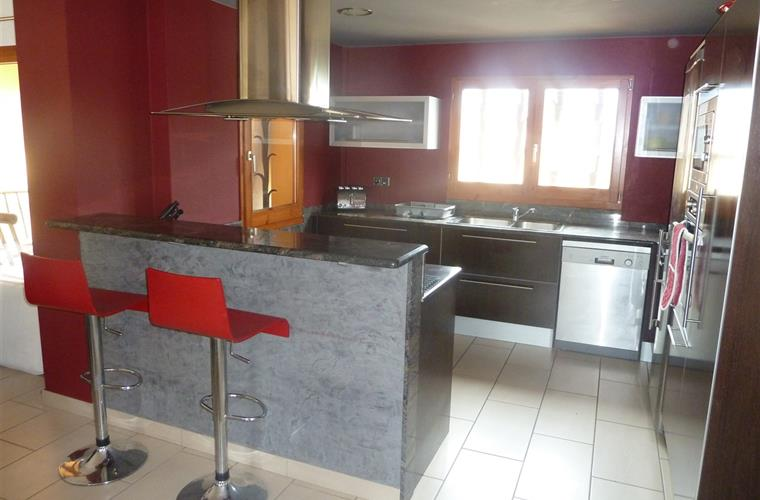 Modern, fully fitted, open plan kitchen