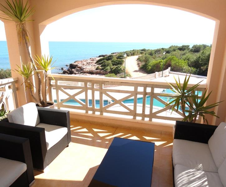 LOUNGE TERRASSE WITH POOL & SEA VIEW