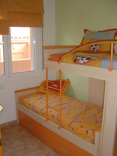 Childrens bedroom downstairs 2 beds