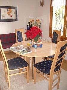 Dining with extending table
