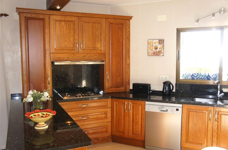 Quality open plan kitchen fully quipped for all the family.