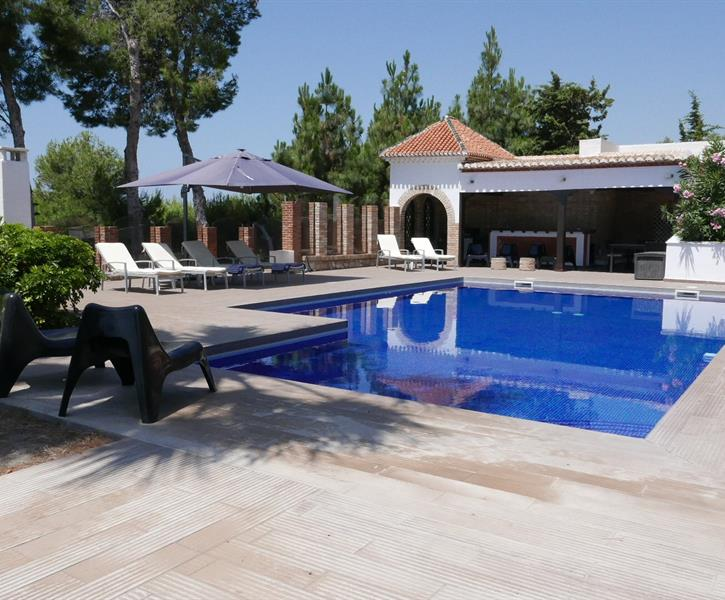 large pool(13 x 6,5) and terrace 200m2 with spectacular seaview