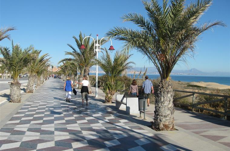 Holiday Townhouse For Rent In Gran Alacant Monte Y Mar
