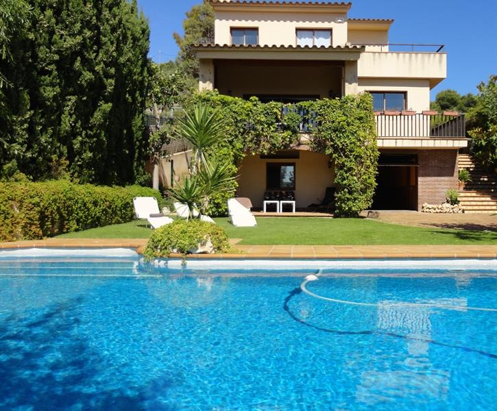 Villas In Sitges With Pool
