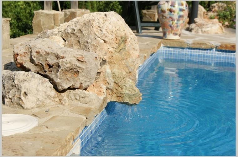 Casacada water pool