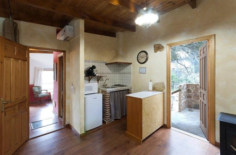 Cabin Limon kitchen