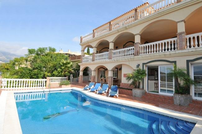 Pool and terraces of the villa in Mijas Golf