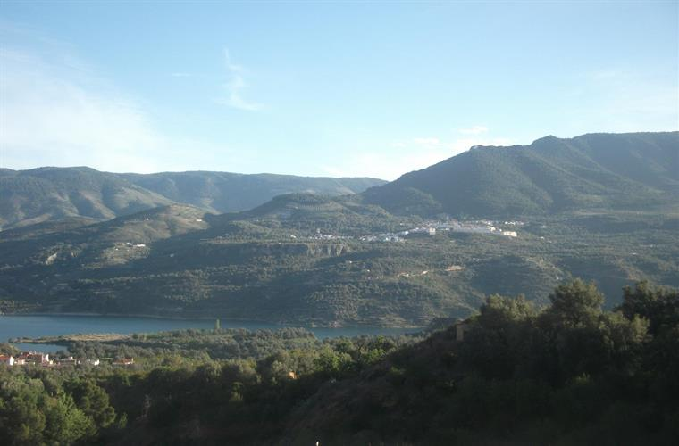 Pinos del Valle, from across the Beznar  lake