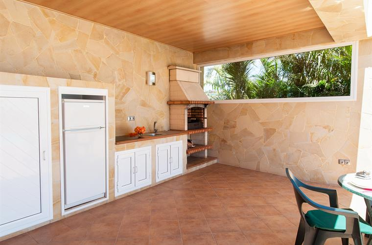 Outdoor kitchen with barbecue