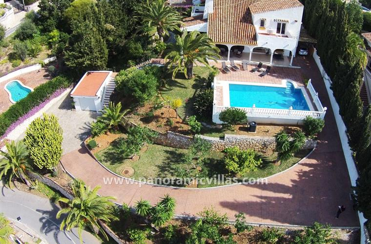 Aerial photo showing the villa, private pool and terrace