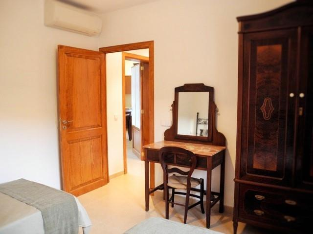 Double bedroom ground floor with two single beds