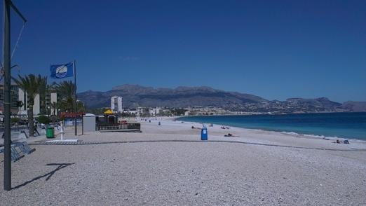 Beautiful long and clean nearby beach of Albir. Free parking.