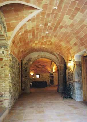 Vaulted entrance hall