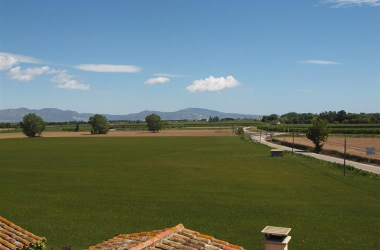 Spring is a beautiful season in the Empordà