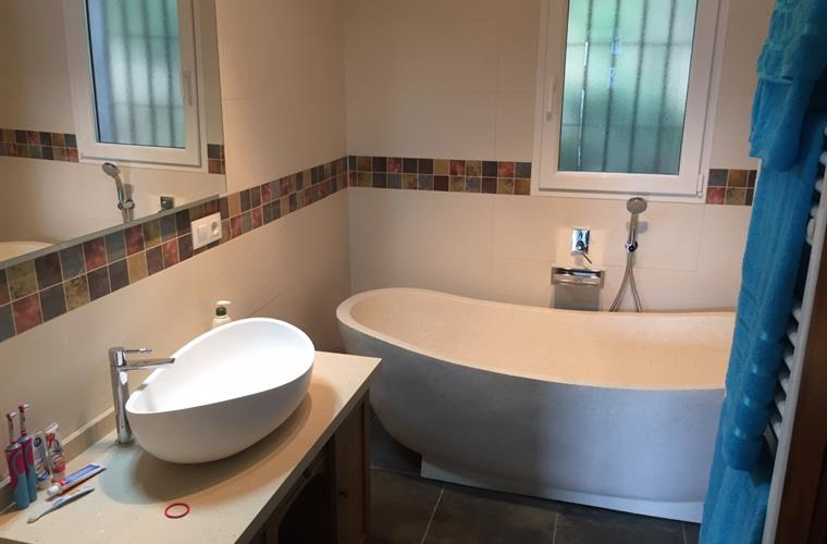 Newly refurbished family bathroom