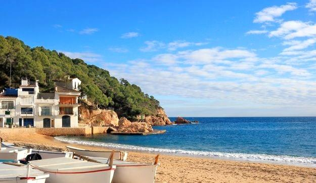 The wonderful beaches of Costa Brava is only 80 km away