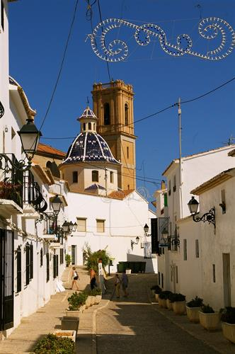 Picturesque streets in Altea leading up to the town square