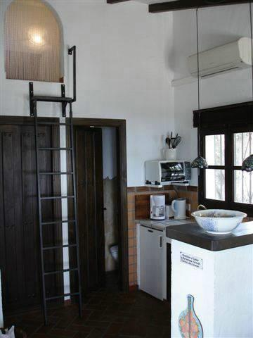 Equipped kitchen and aircon-/heatingsystem