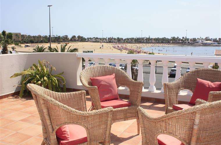 Villa with views on the beach, here you can relax.