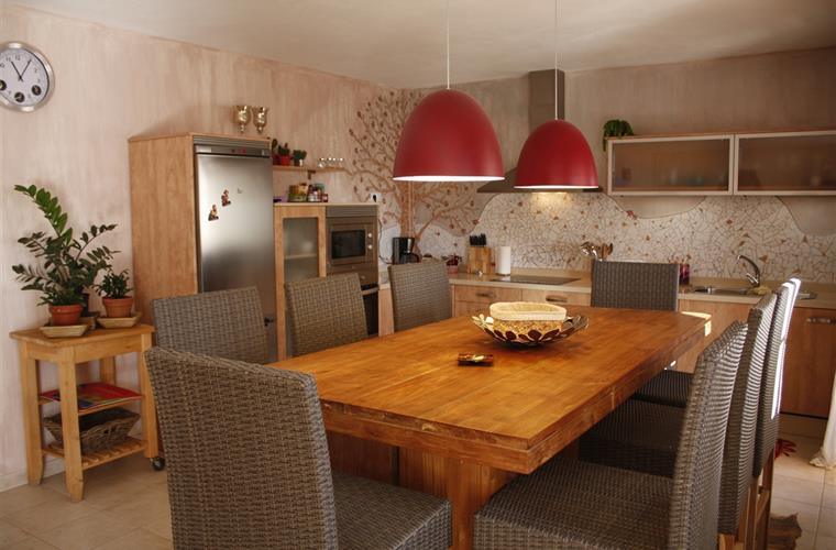 Kitchen with italian design , full complete for 8 persons.
